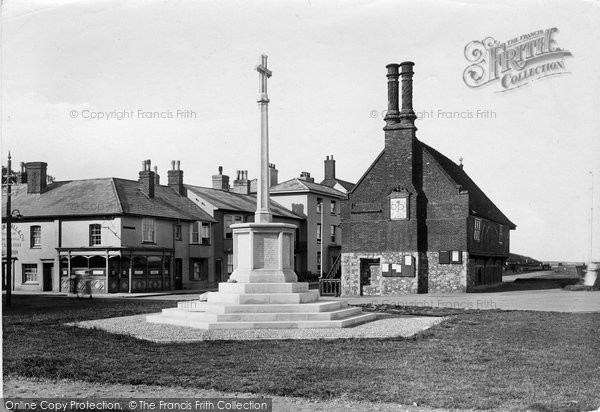 Photo of Aldeburgh, Memorial Cross 1922