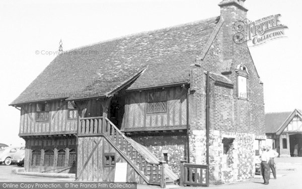 Photo of Aldeburgh, Moot Hall c.1960