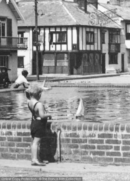 Photo of Aldeburgh, Playing With Toy Boats c.1950