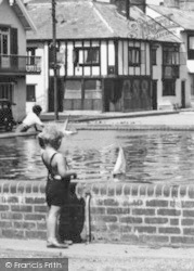 Aldeburgh, Playing With Toy Boats c.1950