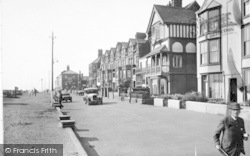 Aldeburgh, South End Of Seafront 1929