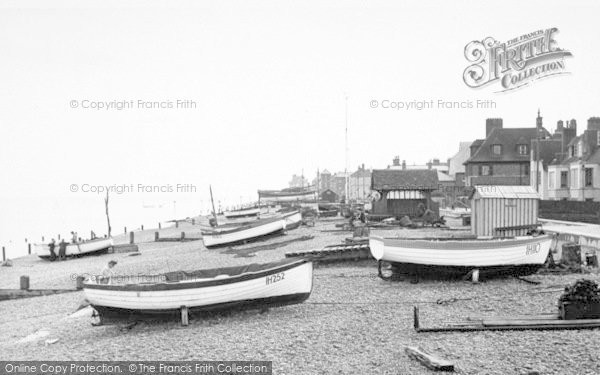 Photo of Aldeburgh, The Beach Looking South c.1955