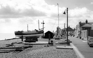 Aldeburgh, the Lifeboat and Crag Path c1965