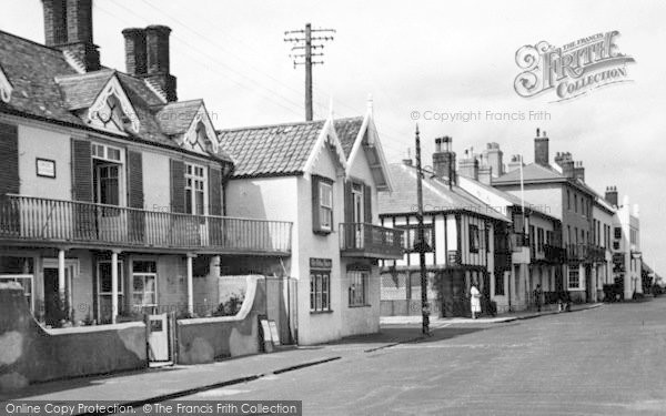 Photo of Aldeburgh, The White Lion c.1950