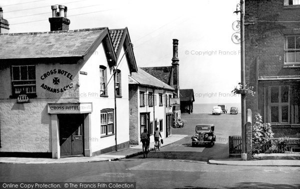 Photo of Aldeburgh, Victoria Road c.1950