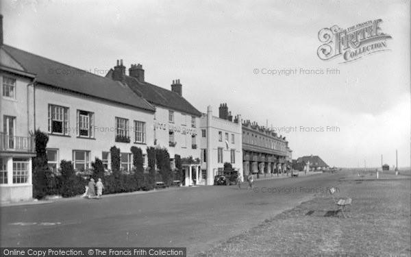Photo of Aldeburgh, White Lion Hotel 1929