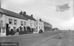 Aldeburgh, White Lion Hotel 1929