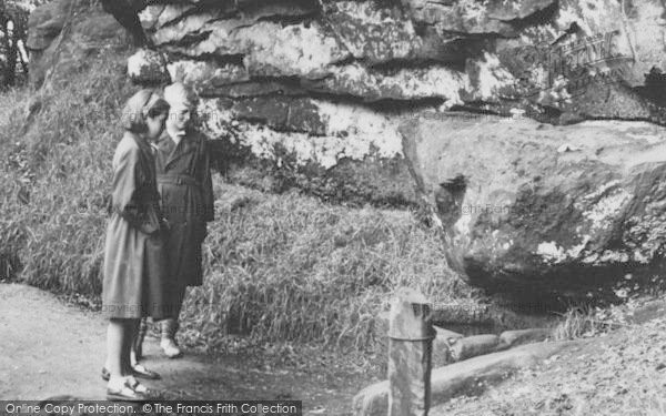 Photo of Alderley Edge, Children At The Wizard's Well c.1955