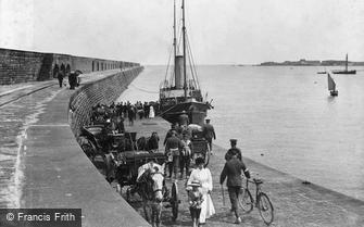 Alderney, arrival of the Courier c1916