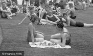Aldershot, Couple Playing Chess By The Bathing Pool 1931