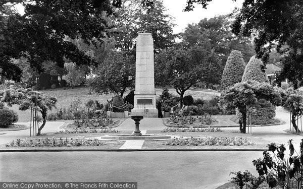 Photo of Aldershot, Municipal Gardens c.1955