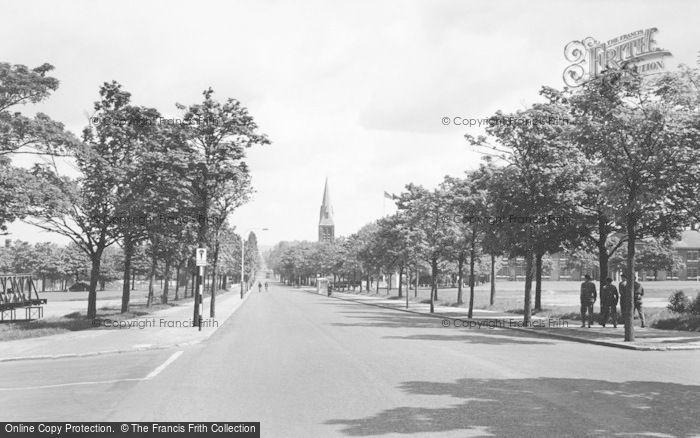 Photo of Aldershot, Queens Parade c.1960