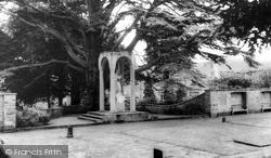 Aldershot, The Heroes Shrine, Manor Park c.1965