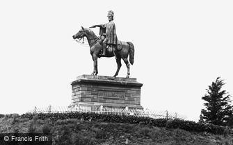 Aldershot, the Wellington Statue c1960
