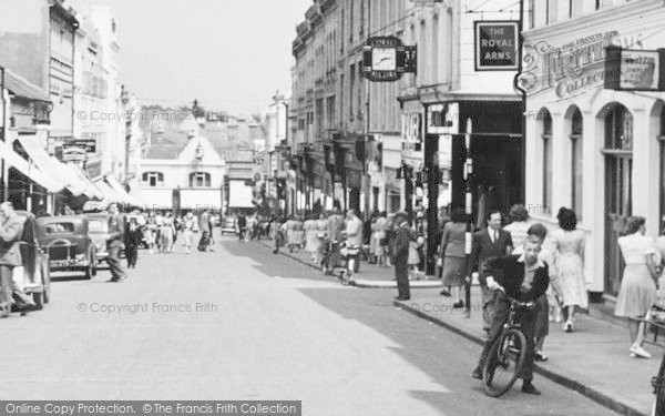 Photo of Aldershot, Union Street Bustle c.1955