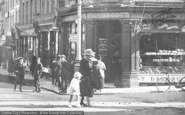 Photo of Aldershot, Union Street, People 1918