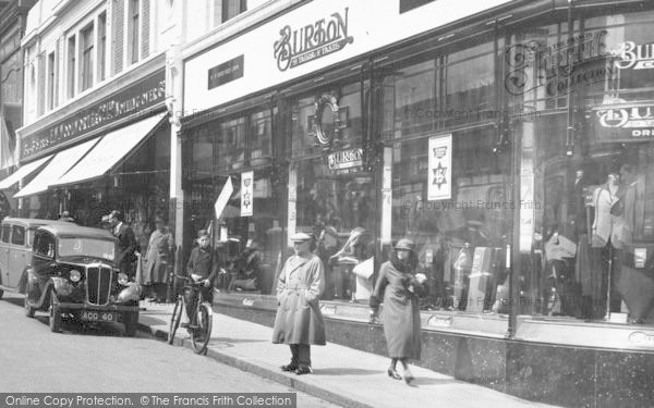 Photo of Aldershot, Union Street, People 1935