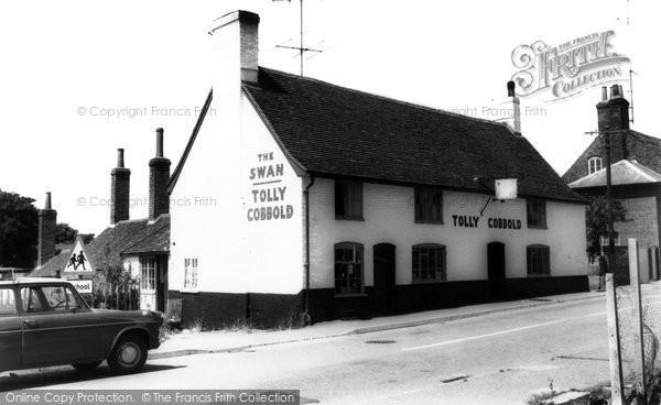 Photo of Alderton, The Swan Inn c.1965