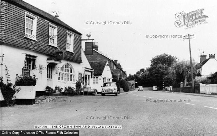 Photo of Alfold, The Crown Inn c.1960