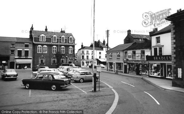 Photo of Alford, Market Place 1967