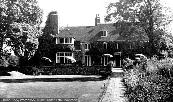 Alfriston, Dean's Place Hotel c.1960