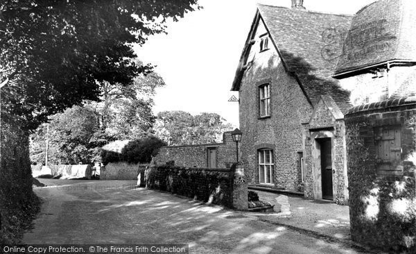 Photo of Alfriston, Frog Ferle Yha c.1960