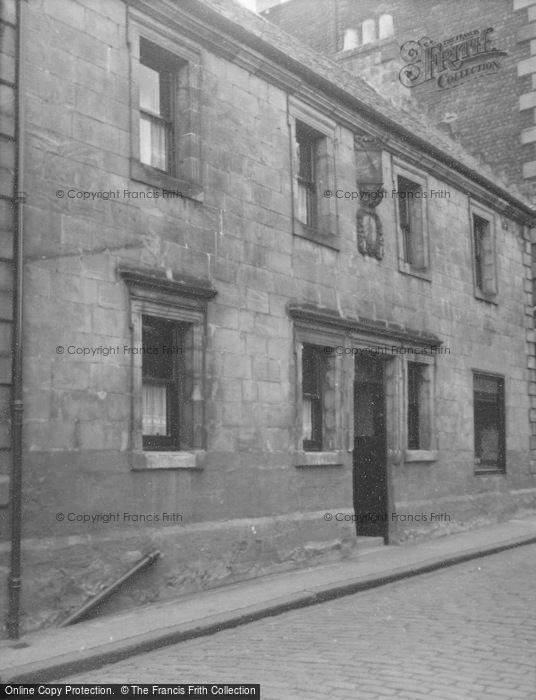 Photo of Alloa, 25 Kirkgate 1953