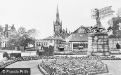 Alloa, War Memorial c.1955