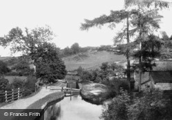 Above The Lock 1893, Allt-Yr-Yn
