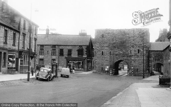 Photo of Alnwick, Bondgate Without c1965, ref. A223036