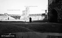Castle 1950, Alnwick