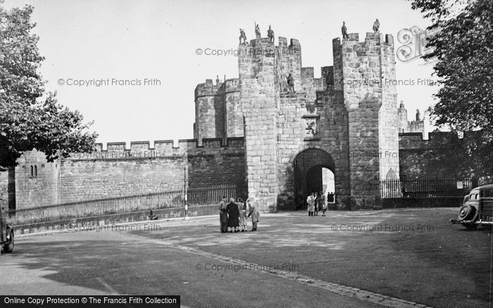 Photo of Alnwick, Castle, The 15th Century Main Gate And Barbican 1950