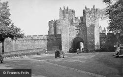 Castle, The 15th Century Main Gate And Barbican 1950, Alnwick