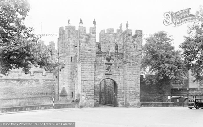 Photo of Alnwick, The Barbican c.1950