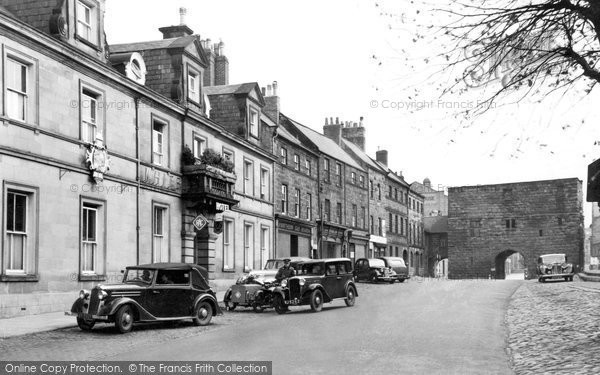 Photo of Alnwick, The White Swan Hotel And Hotspur Tower 1948