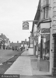 Alresford, The Volunteer Arms c.1950