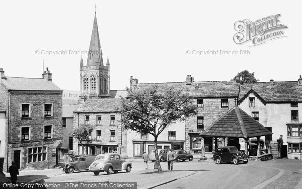 Alston, Market Square 1952.  (Neg. A290014)  © Copyright The Francis Frith Collection 2008. http://www.francisfrith.com