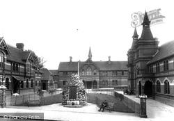 Crown Close 1927, Alton