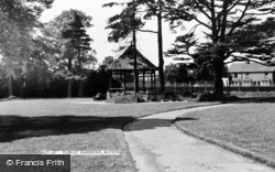 Public Gardens c.1955, Alton