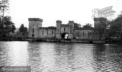 Lake And Hall c.1955, Alton Towers