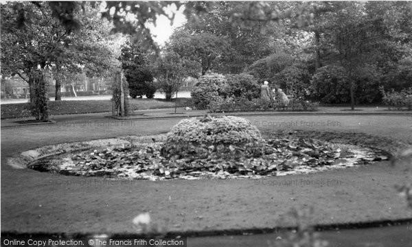 Altrincham, Lily Pond, Stamford Park c.1960