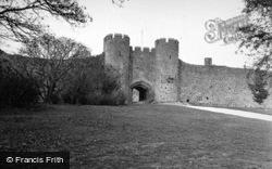 Castle Gatehouse 1950, Amberley