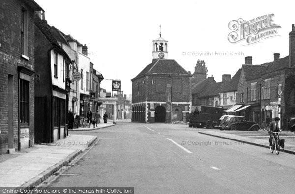Amersham, Market Hall And High Street 1957
