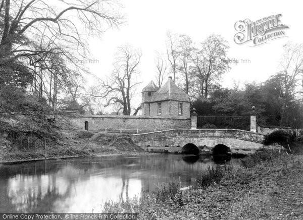 Amesbury, Gray Bridge And Diana House c.1955