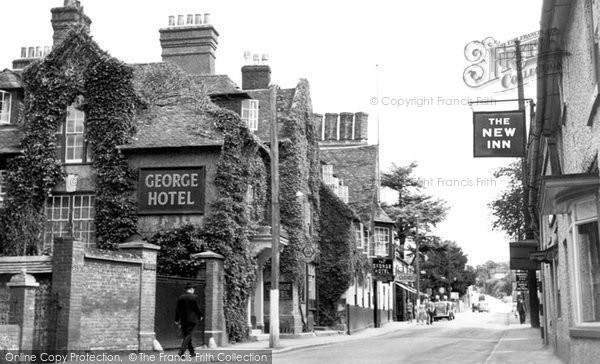 Amesbury, The George Hotel c.1955