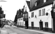 Amesbury, The George Hotel c.1965