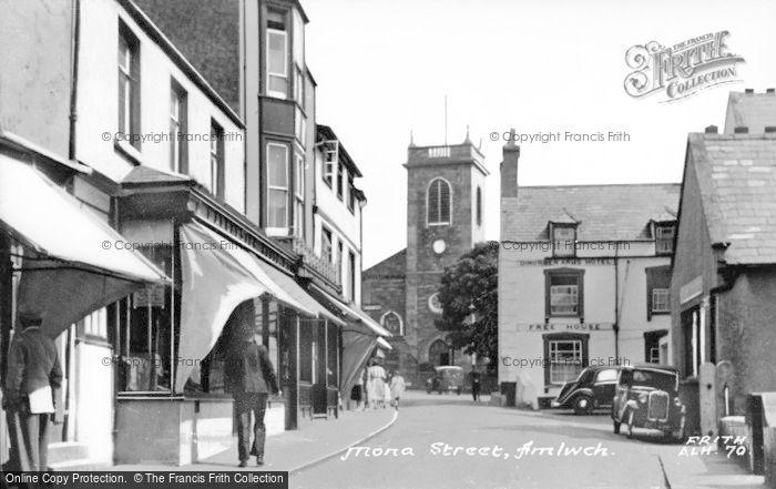 Photo of Amlwch, Mona Street c.1955