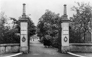 Ammanford, The Park Memorial Gates And Avenue c.1955