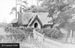 Ampthill, Holly Walk, Thatching c.1960
