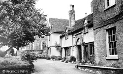 The Almshouses c.1955, Ampthill